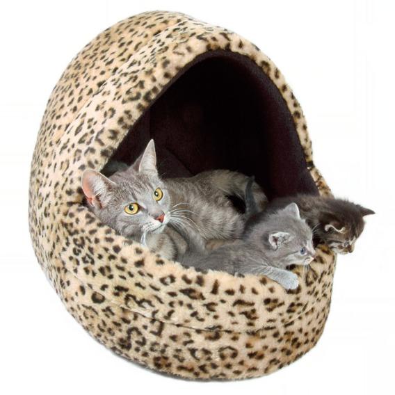 Домик для кошки с котятами
